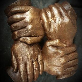 4 handen liggend