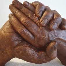 2 handen staand